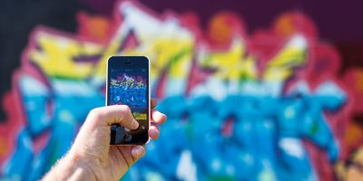 Smartphone photo fresque lettrage couleur